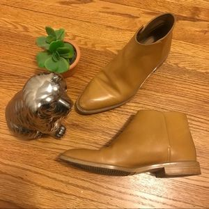 Everlane Italian leather modern ankle boots
